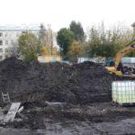 15.10.2017 - Идёт откопка грунта и подготовка основания для устройства фундамента