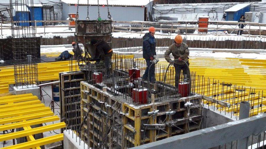 07.02.2018 - Бетонирование шахты лифта
