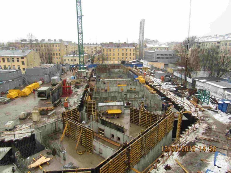 13.03.2018 - Возведение стен технического этажа и гидроизоляция наружных стен 1,2 и 3-й секций