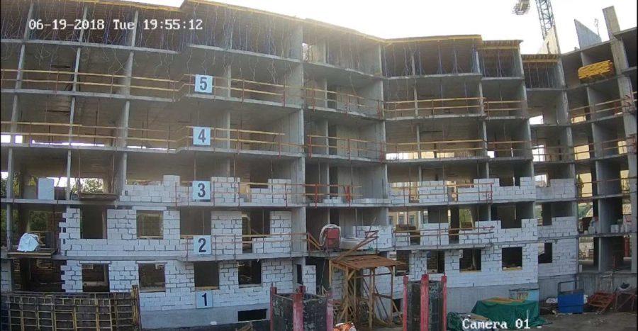 20.06.2018 - Кладка ограждающих конструкций 1-3-й секции