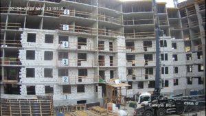 Продолжается кладка наружных стен и внутренних перегородок 1-3 секции.