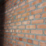 Продолжается кладка кирпичных стен в 1-3 секциях