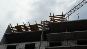 Установка опалубки перекрытия над 9-м этажом 1-й секции