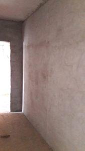 Ведется оштукатуривание стен в местах общего пользования 1,2 и 3 секций