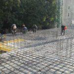 Ведется армирование плиты перекрытия над техническим этажом 4 и 5 секций