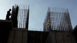 Установка опалубки стен 3-го этажа 4-й секции