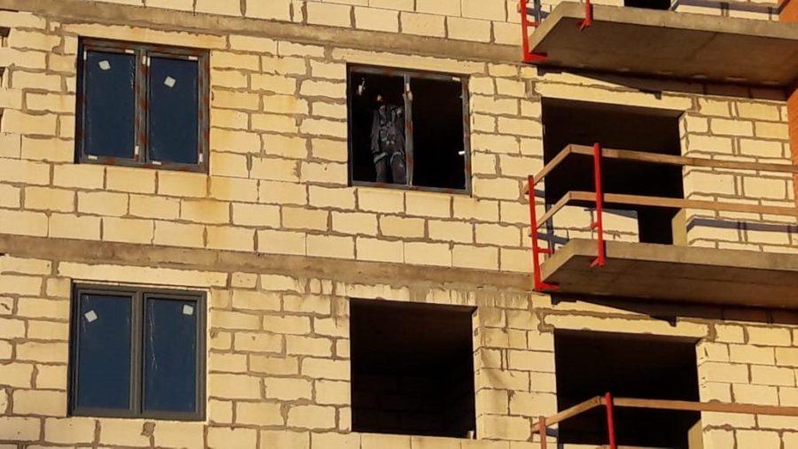30.11.2018 - Устанавливаются окна в 1-3 секции