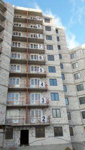 Смонтированы оконные блоки 1,2,3 секций