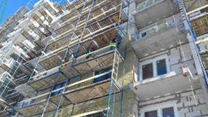 Начаты работы по устройству вентилируемого фасада.
