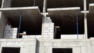 кладка ограждающих конструкций и внутренних перегородок 6-й секции