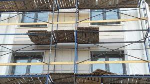 Монтаж облицовочной плитки вентилируемого фасада