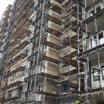 Продолжаются работы по витражному остеклению балконов