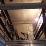 Идут работы по монтажу лифтов с 1 по 6 секции