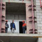 Ведутся работы на фасаде шестой секции
