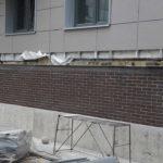 Отделка фасада клинкерным кирпичом ЖК Днепропетровская 37