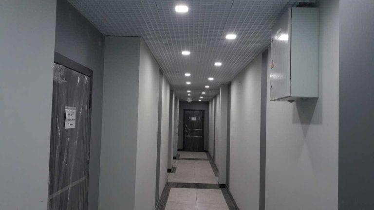 29.11.2019 - Отделка мест общего пользования и установка квартирных дверей