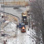 Продолжаются работы по благоустройству и подготовке основания под забор. ЖК Днепропетровская 37